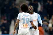 Mario Balotelli (vpravo) v drese Marseille.