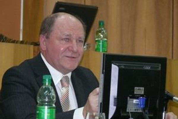 Súčasný primátor mesta Miroslav Adame považuje zmluvu s Povbytom za nevýhodnú.