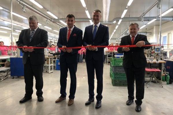 Kožiarska firma v Giraltovciach má novú výrobnú halu.