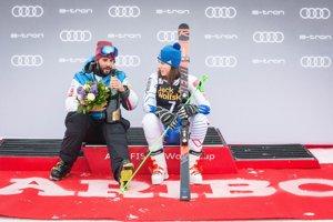 Petra Vlhová a brat Boris Vlha v cieli obrovského slalomu žien v Maribore.
