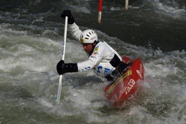 Mikulášsky areál vodného slalomu po zimnej prestávke v posledných dňoch opäť ožíva.