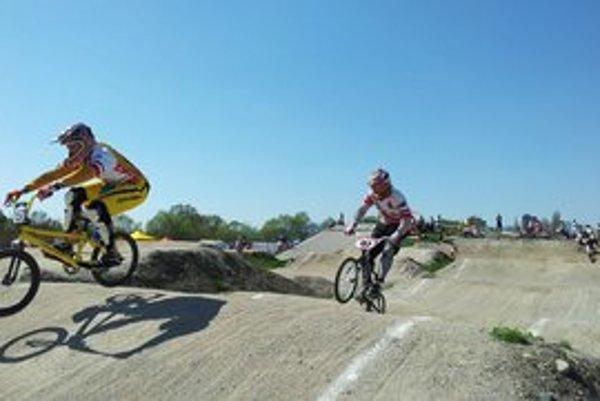 Liptovskí bikrosári pripravili na domácej mikulášskej trati Majstrovstvá Slovenska v BMX.