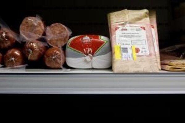 Pri nákupe potravín dávajte pozor, či sú potraviny v predajni dobre uskladnené aj na hygienu predaja.