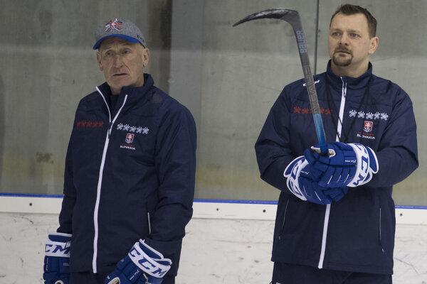 Tréner Craig Ramsay (vľavo) so svojím asistentom Andrejom Podkonickým.