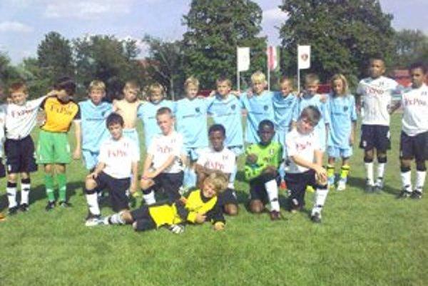 Mladí futbalisti zažili obrovskú školu, keďže hrali proti zvučným súperom ako Fulham FC, Hertha Berlin, SK Rapid Wien či AC Sparta Praha.