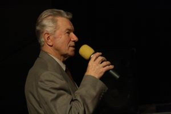 Michal Mačička  pútavo rozprával o včelách, úľoch, medveďoch aj svojich filmoch.