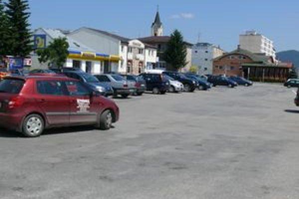 Najväčšie platené parkovisko v Púchove.