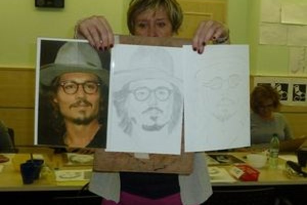 Tri podoby Johnnyho Deepa. Vpravo kresba, ktorá vznikla v prvý deň, v strede herec ako výsledná kresba po zapojení pravej mozgovej hemisféry.