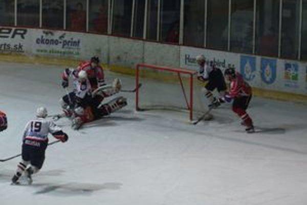 Vedenie mesta sa snaží v hokejovom klube oddeliť manažérske funkcie od trénerských.