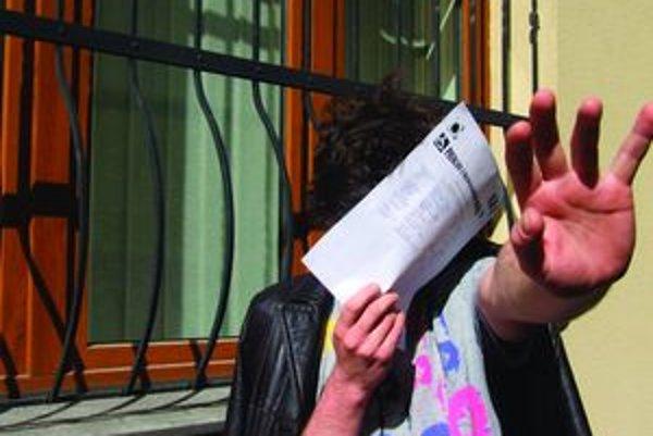 Rumunskí podvodníci predstierali, že sú hluchonemí.
