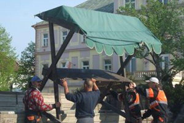 V meste boli včera prípravy na dnešný program v plnom prúde.