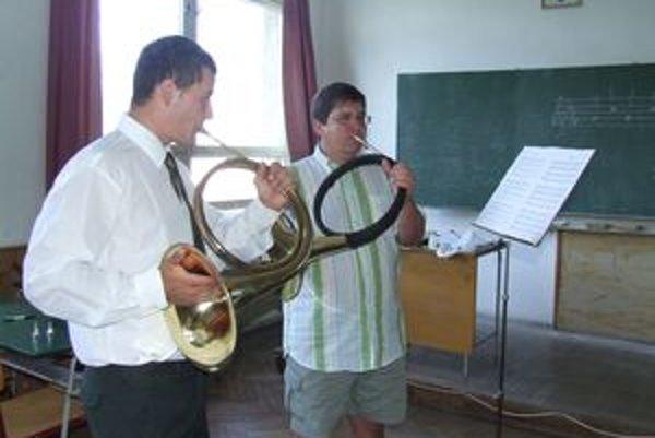 Na hodine letného kurzu učil jeden lektor jedného žiaka. Petr Duda (vpravo) so svojím žiakom.