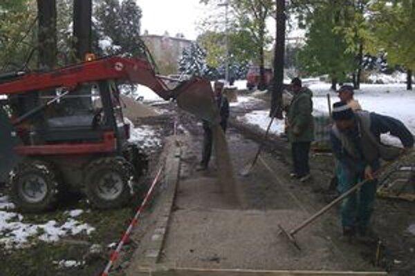 Robotníci začali so stavebnými prácami počas tohto týždňa.