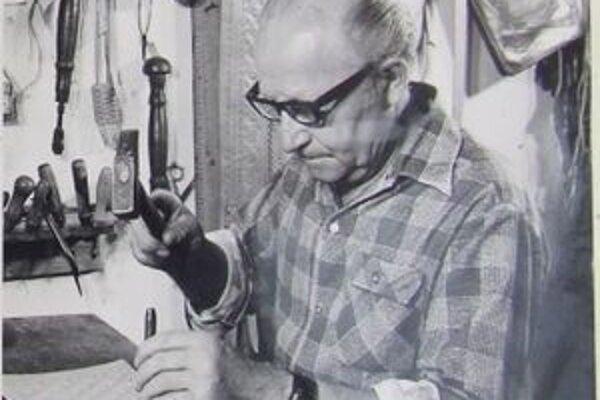 Adam Beťko vyrobil prvé krpce pre súbor Lúčnica aj prvé kožené kopačky na futbal.
