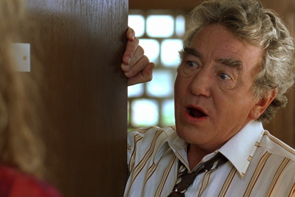 Albert Finney vo filme Erin Brokovich.