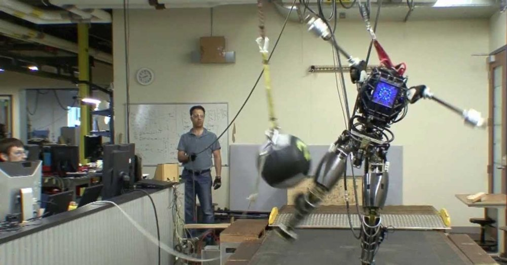 Atlas od Boston Dynamics.