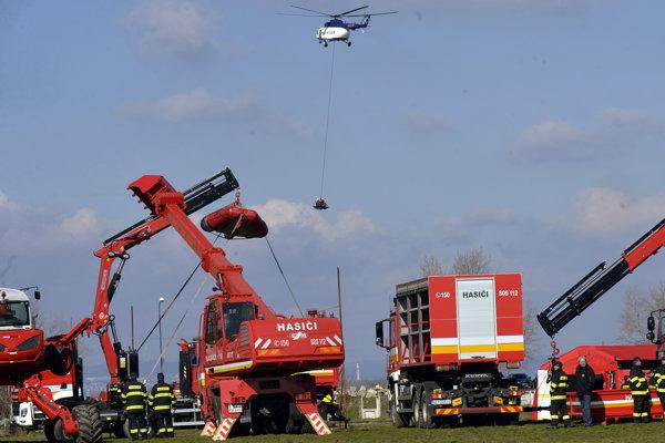 Ťažká záchranná technika hasičského zboru.