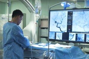 Moderný angiografický prístroj takto na svojej webstránke prezentuje spoločnosť, ktorá ho nemocnici dodá.