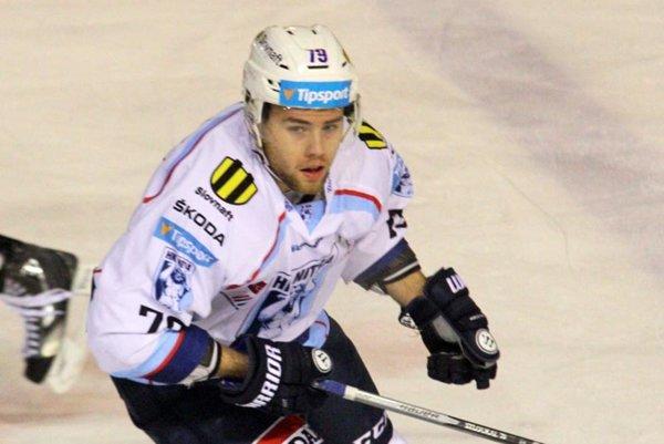 Petr Stloukal prispel gólom k výhre Nitry v Trenčíne 2:1.