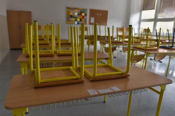Chrípky predĺžili prázdniny na desiatkach škôl v Košickom kraji.
