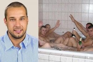 Kandidát do parlamentu Martin Patoprstý pózuje na fotografii zverejnenej na blogu blackblog.sk.