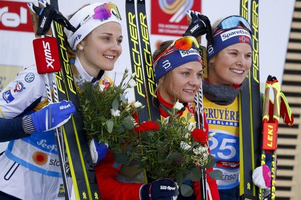 Nórka Fallová (uprostred) získala zlatú medailu z MS.