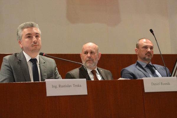 Župan Trnka má o peniazoch rokovať s premiérom Pellegrinim.