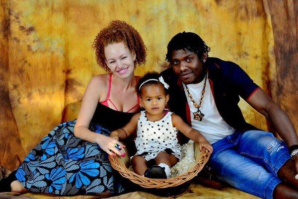 Gabriel s ženou Alenkou a dcérou Sylviou Rose.
