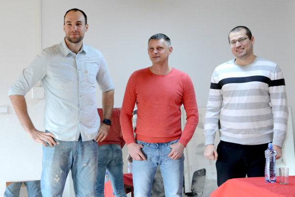 Noví košickí hádzanári. Zľava Patrik Hruščák, Alexander Radčenko a Alexander Ivanov.