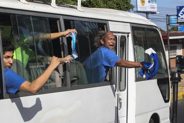 Z väznice La Modelo v metropole Managua prepustili úrady od utorka večera najmenej sto väzňov.