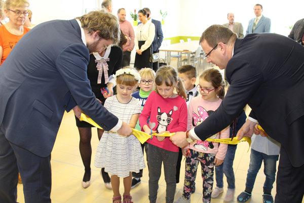 Vo Veľkej Lomnici otvorili obnovenú škôlku.