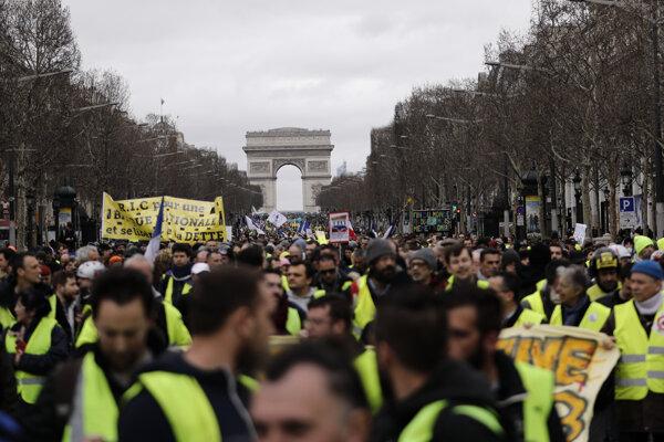 Protesty žltých viest pokračovali aj v prvú marcovú sobotu.