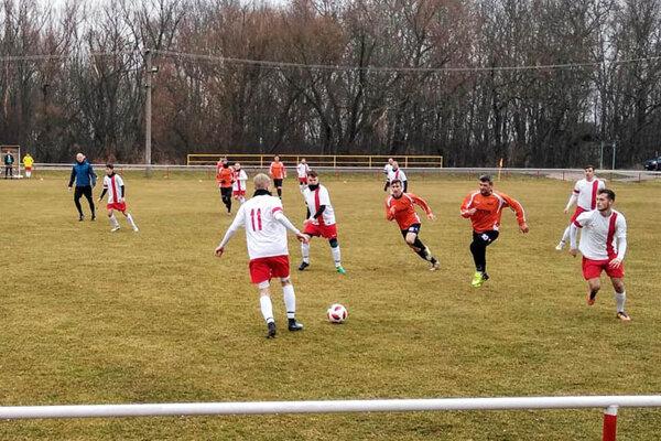 Snímka zo zápasu Horný Ohaj - Michal nad Žitavou (5:2).