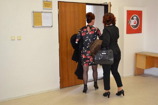 Bývalú starostku Lukačoviec (na snímke vpravo) súd spod obžaloby oslobodil.