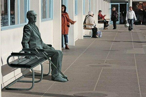 Takto by socha Wintera na Kolonádovom moste v Piešťanoch mala vyzerať.