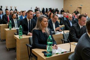 Zástupcovia Zvolena v poslaneckých laviciach.