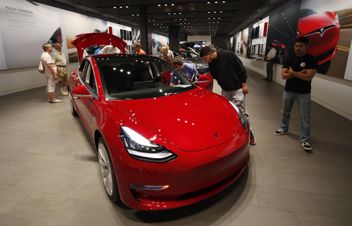 4e05547f29 Tesla šliape na päty európskym konkurentom