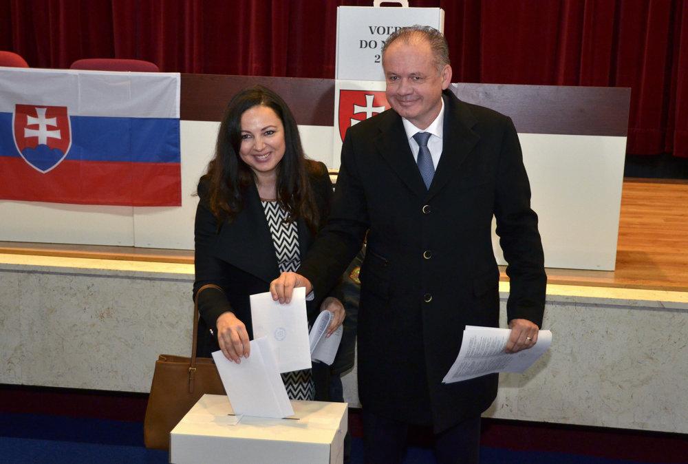 Prezidenta Andreja Kisku sprevádzala manželka.