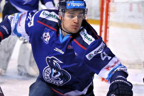 Hrdina druhého zápasu, fínsky obranca Popradu Joona Erving.