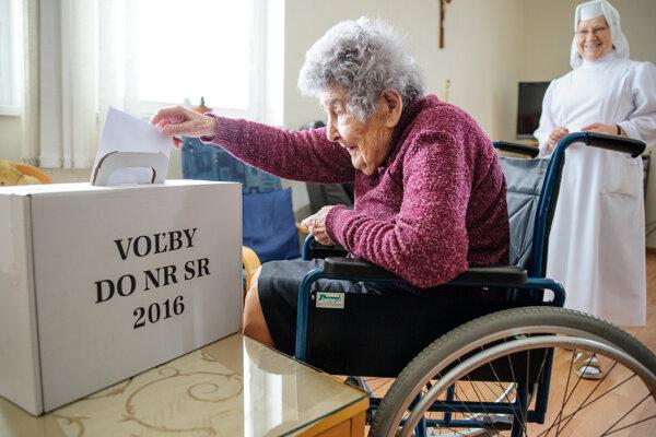 Najstaršia obyvateľka Nitry volila v Misijnom dome.