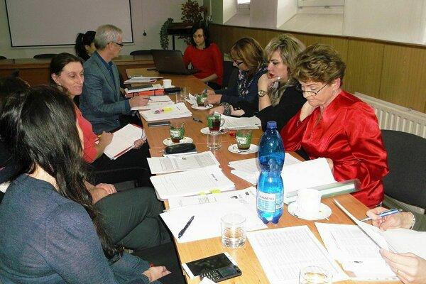 Zasadnutie komisie vzdelávania a sociálnych vecí.