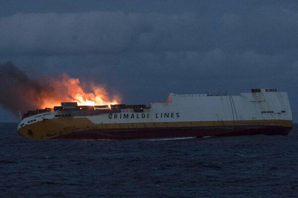 Poškodená talianska nákladná loď Grande America