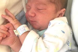 Veronika Hubáčeková z Bátoviec porodila 9. marca synčeka IMRICHA Kuruca. Treťorodený chlapček po narodení meral 51 cm a vážil 3,6 kg. Z bračeka sa teší 9-ročný Renko a 2-ročná Vivien a otec Imrich Kuruc.