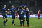 Slovenskí futbalisti sa tešia v zápase proti Maďarsku v kvalifikácii o postup na ME vo futbale 2020.
