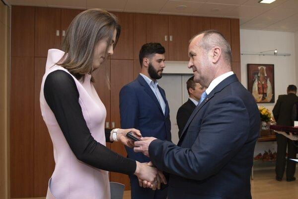 Petra Vlhová s ministrom obrany Petrom Gajdošom.