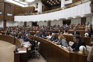 Rokovanie 43. schôdze Národnej rady Slovenskej republiky v Bratislave.