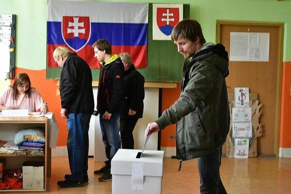 Na Slovensku je príliš veľa prešľapov a káuz politikov. Toto by malo skončiť. Aj to si priali voliči.