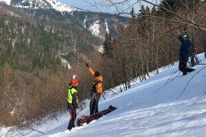 Záchranári našli turistu žiaľ už mŕtveho.