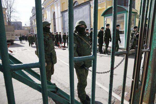 Evakuácia Možajského akadémie v Petrohrade.
