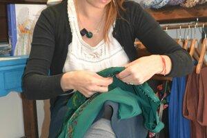 Svetlana Matúšková pri práci,  ktorá ju baví a napĺňa.